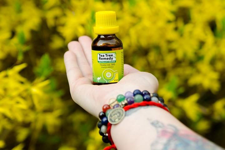 hogyan lehet pikkelysömör kezelésére teafaolaj vörös foltok a hónalj kezelésében